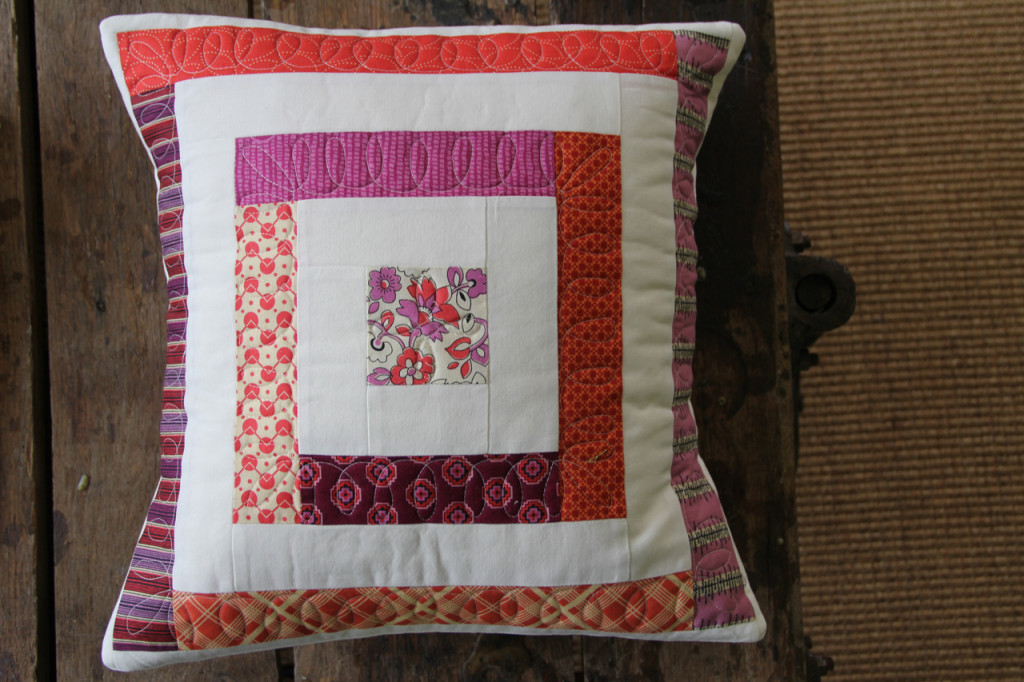 Erin's pillow - Log Cabin Quilting on Creativebug